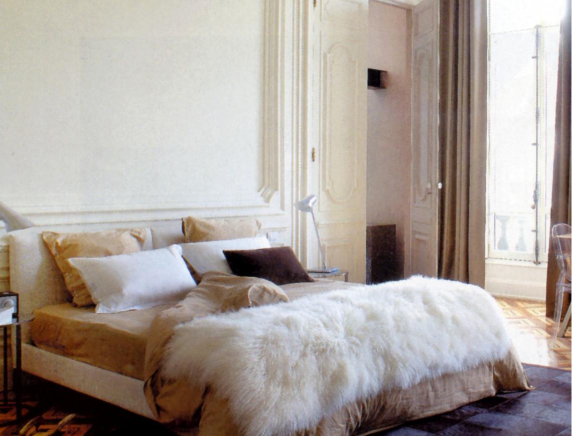 plaid en agneau de mongolie. Black Bedroom Furniture Sets. Home Design Ideas