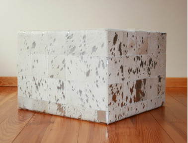 Patchwork pouf of white silver cowhide