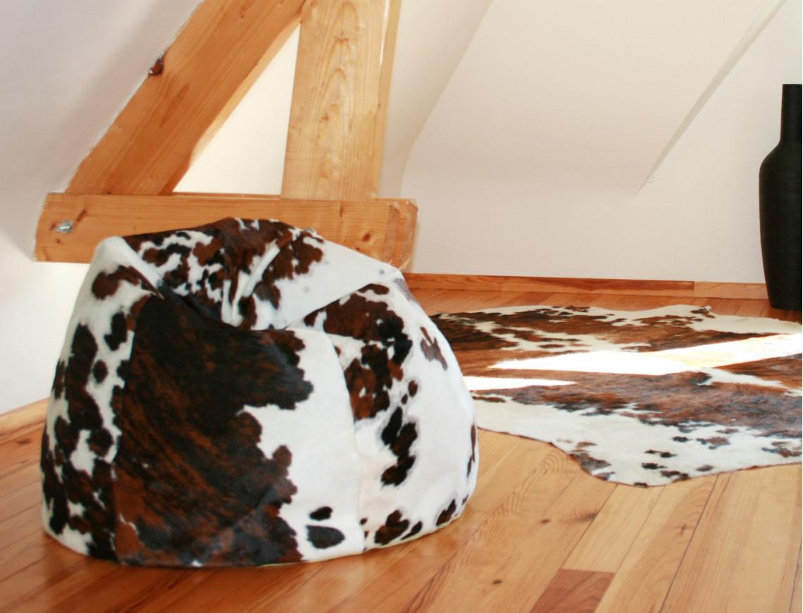 Fauteuil pouf Oscar en peau de vache Normande