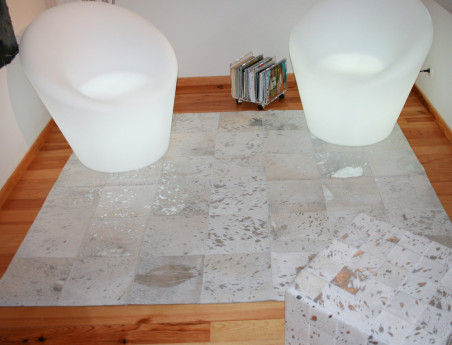 Patchwork rug in silver white cowhide