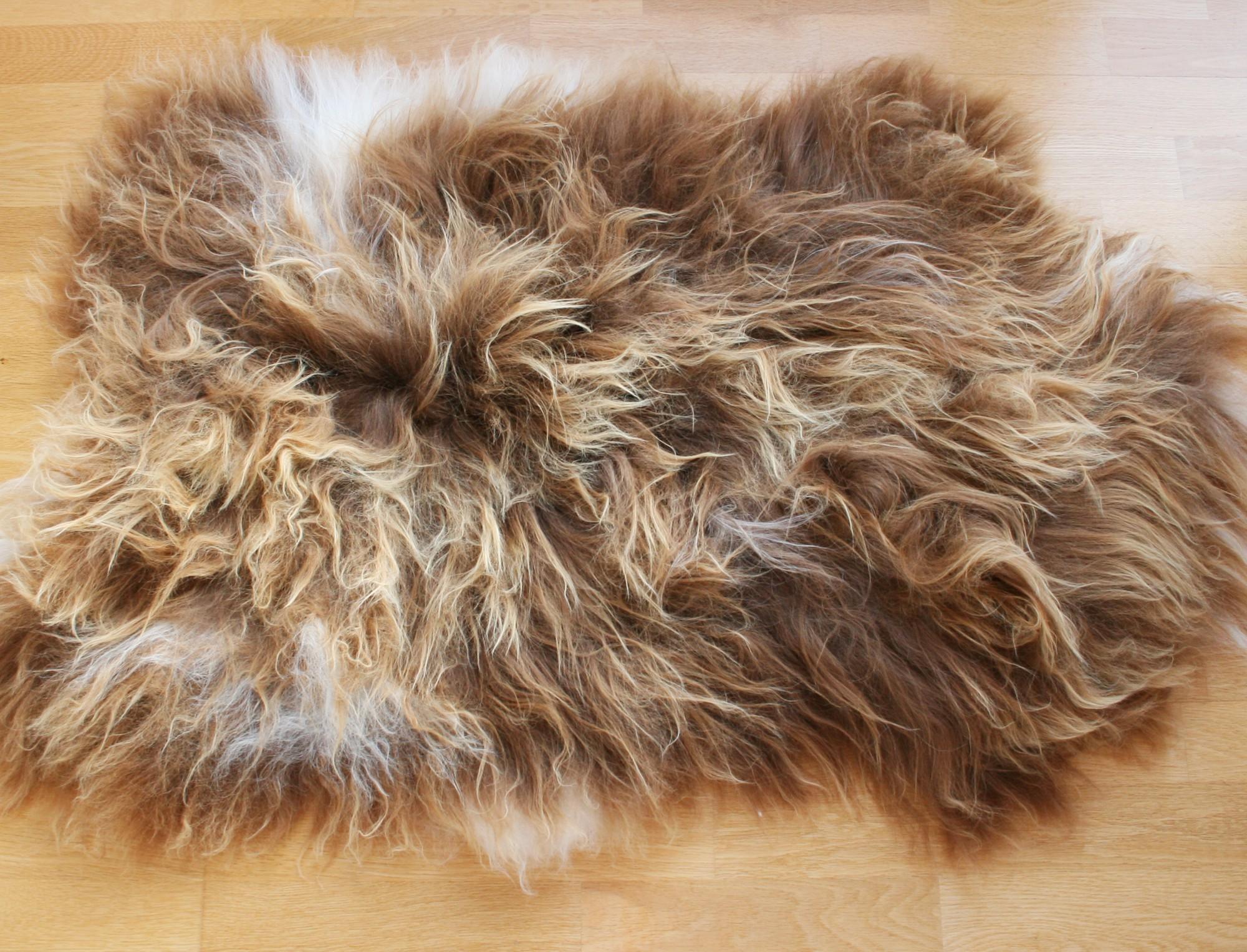 Mouton islandais marron m ch naturel - Tapis peau de mouton synthetique ...