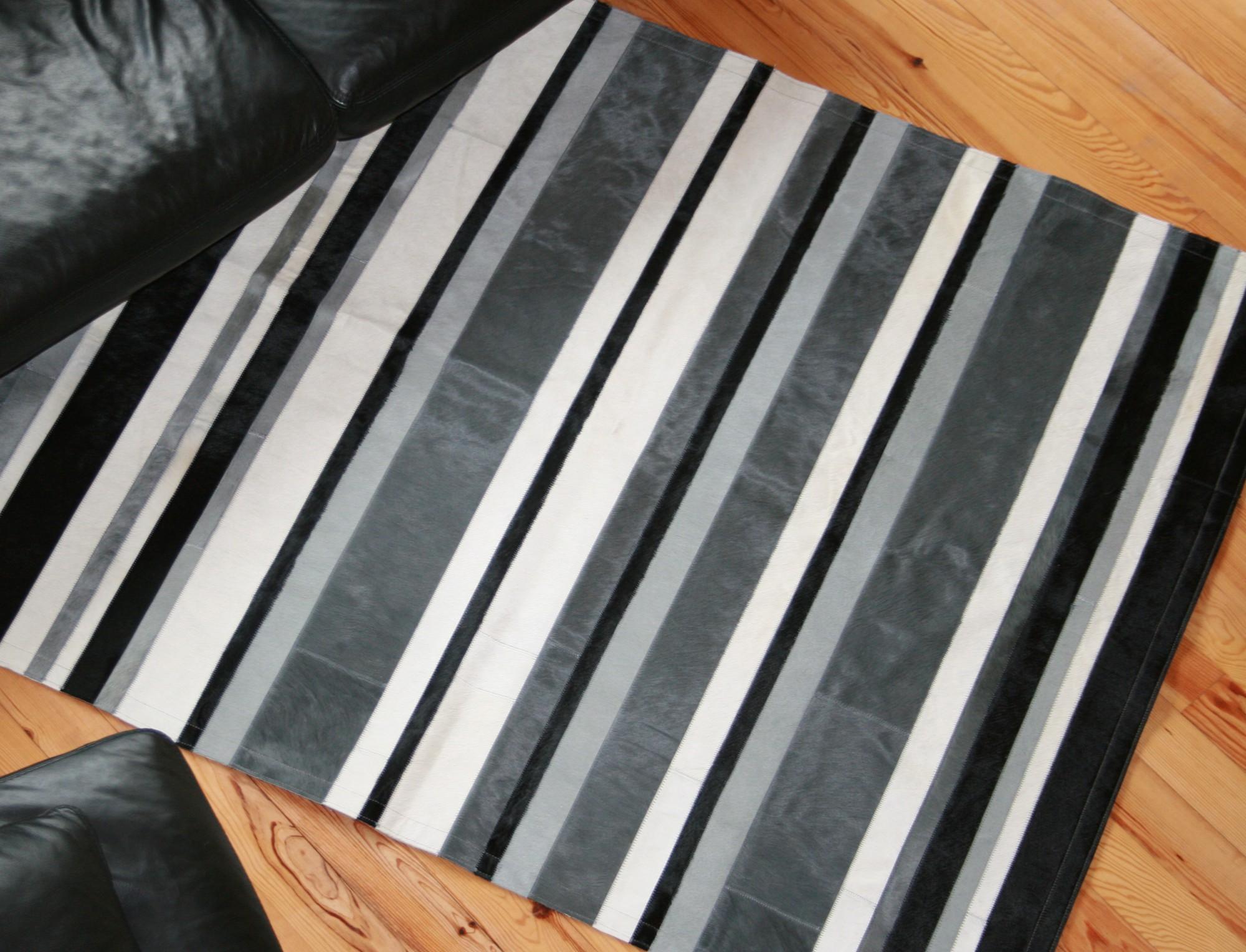 tapis patchwork ibiza en peau de vache. Black Bedroom Furniture Sets. Home Design Ideas