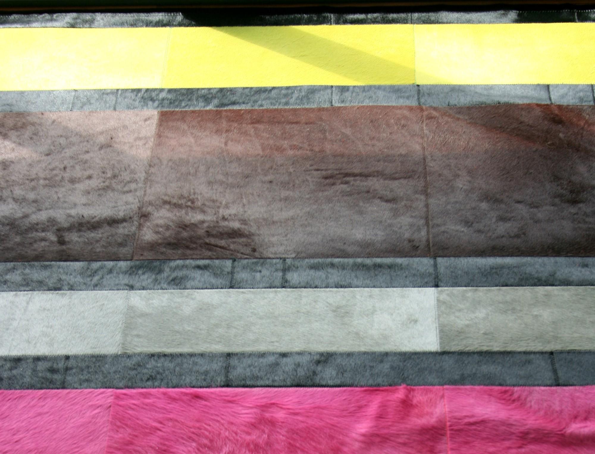 tapis patchwork olympe en peau de vache multicolore. Black Bedroom Furniture Sets. Home Design Ideas