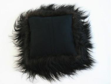 Coussin en mouton Islandais noir SIMPLE FACE