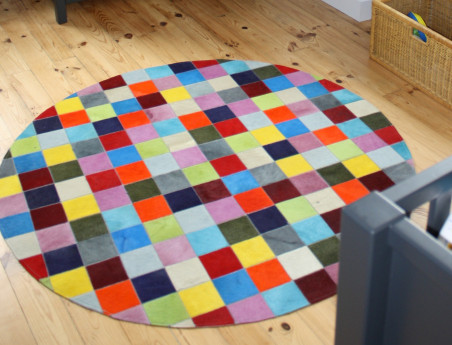 Elmer Round Patchwork Rug in Multicolored Solid Cowhide