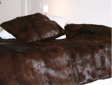Brown rabbit fur bed top