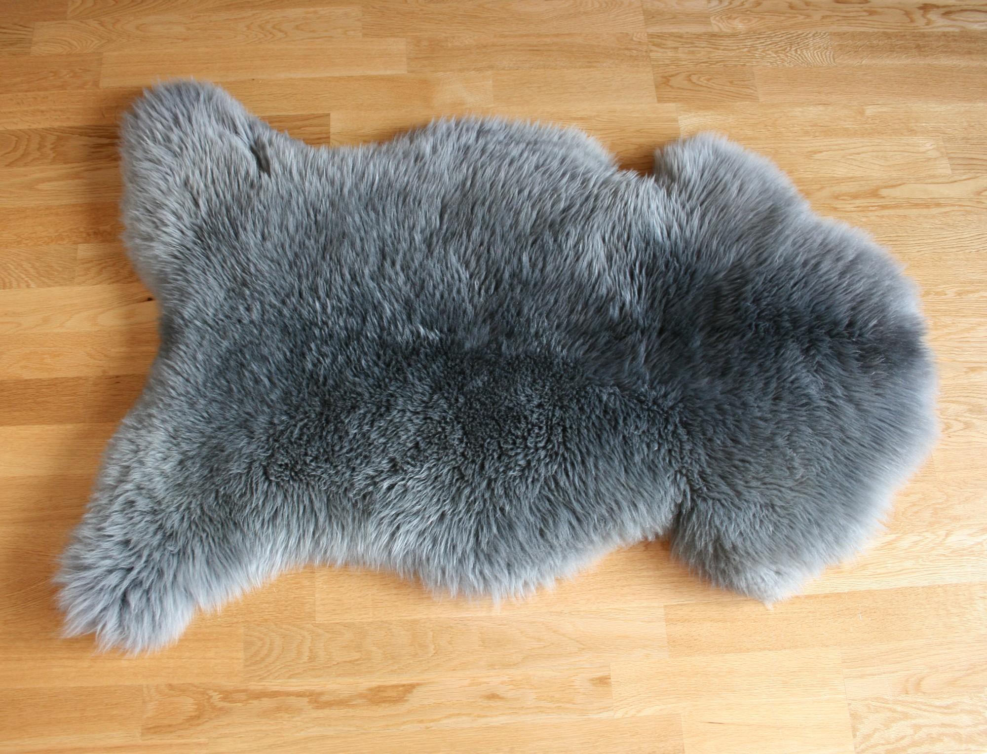 Peau de mouton teint e grise - Tapis peau de mouton synthetique ...