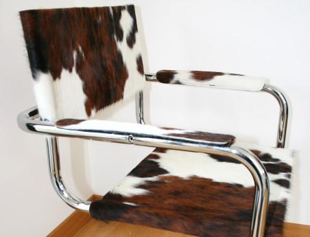 """Chaise en peau de vache """"Harry"""" avec accoudoir"""
