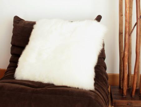 Coussin en peau de mouton blanche SIMPLE FACE