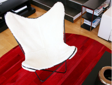 Butterfly armchair in sheepskin