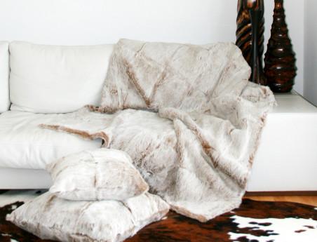 Dessus de lit beige chiné en fourrure de lapin