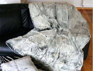 Dessus de lit gris chiné en fourrure de lapin