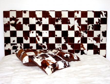Tête de lit en peau de vache Normande