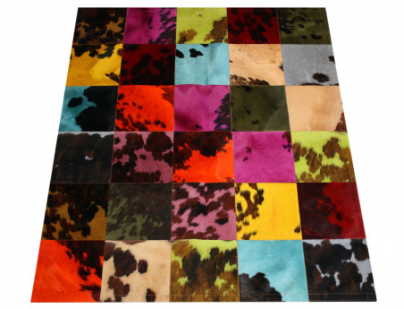 Patchwork natural cow carpet tinted in 30 cm tiles