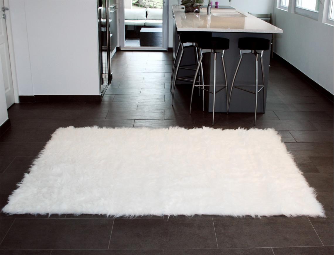 tapis rectangle en peau de mouton synth tique blanc. Black Bedroom Furniture Sets. Home Design Ideas