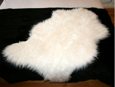 White synthetic sheep skin