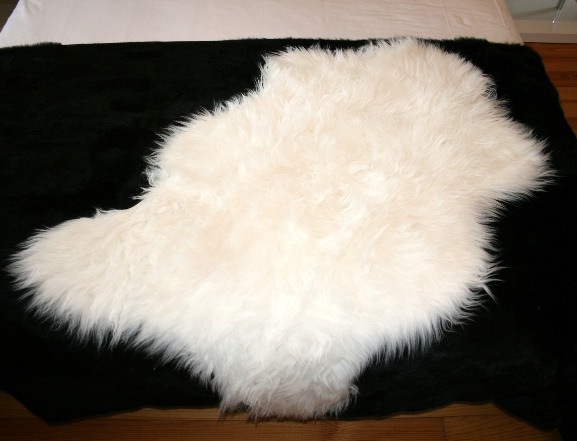 peau de mouton synth tique blanc. Black Bedroom Furniture Sets. Home Design Ideas