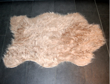 Tapis imitation vache synth tique marron et blanc - Tapis imitation peau de vache ...
