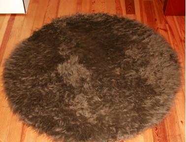 Tapis rond en peau de mouton synthétique marron