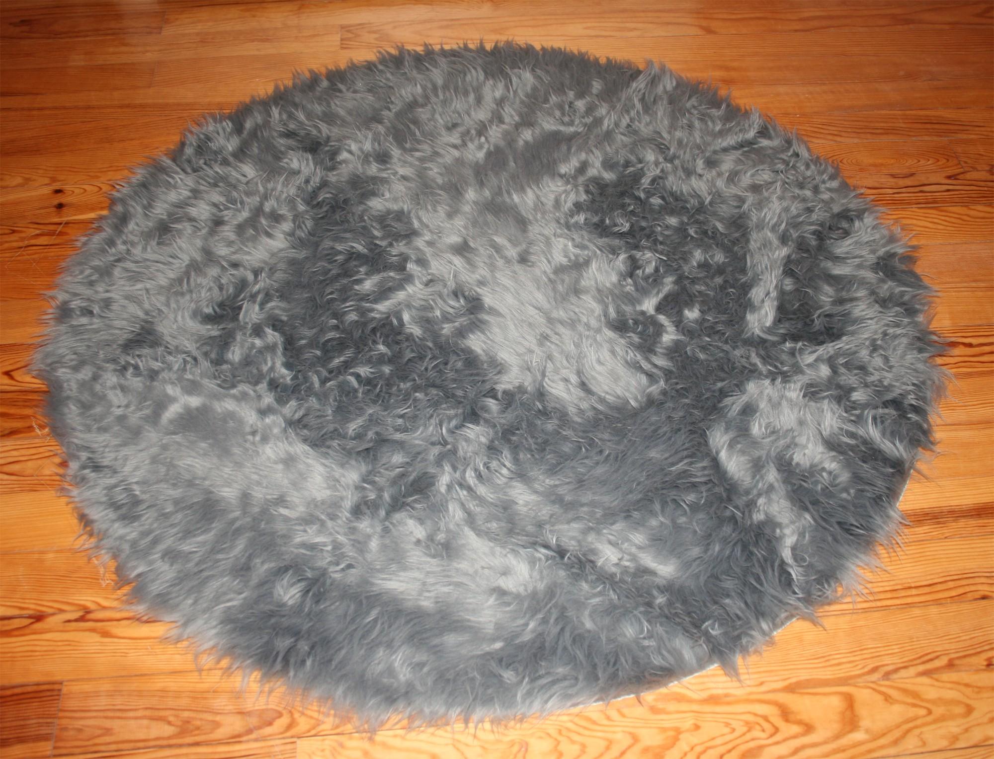 Tapis rond en peau de mouton synth tique gris - Tapis peau de mouton synthetique ...