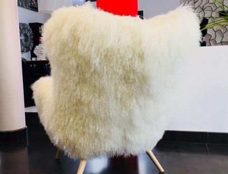 """Fauteuil en agneau de Mongolie """"Bô"""" by Sonia.M"""