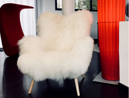 "Mongolian lamb chair ""Bô"" by Sonia.M"