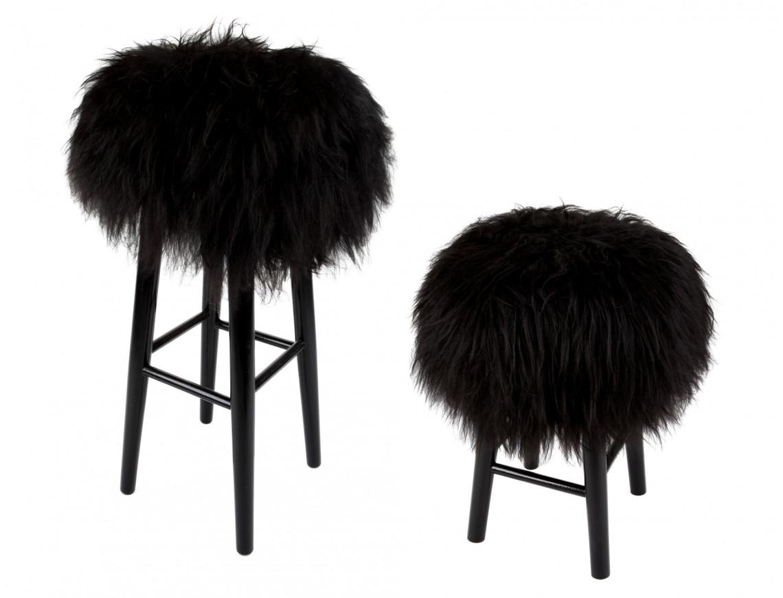 Tabouret en bois assise mouton Islandais noir
