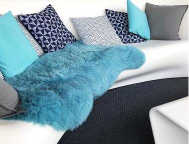 Peau de mouton bleu turquoise