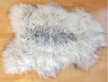 Tapis en peau de mouton islandais gris méché naturel