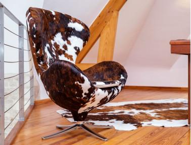 "Cowhide armchair ""Bô"" by Sonia.M"
